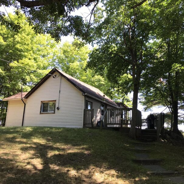 LakeviewCottage_Exterior