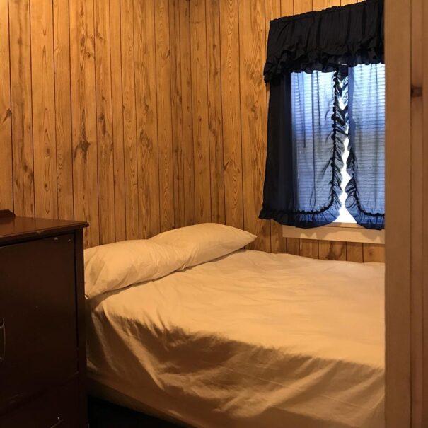 RiverviewCottage_Bedroom2